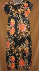 Hilo Hattie's Tropical Flowers Muumuu