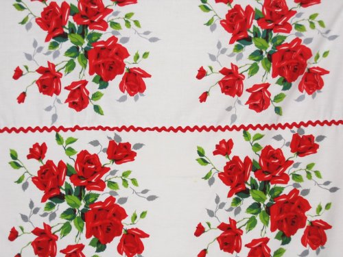 Wilendur American Beauty Tablecloth Red Roses